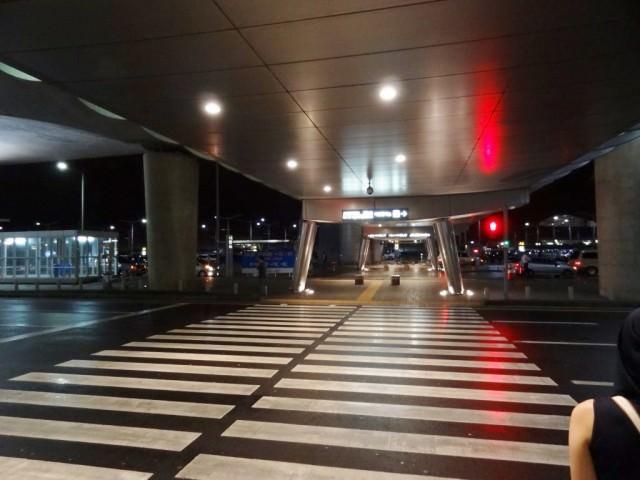 韓国語もできないのに韓国長期滞在 仁川国際空港 歩道