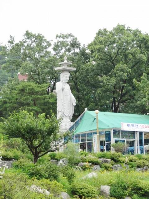 韓国の金ピカお寺 お盆