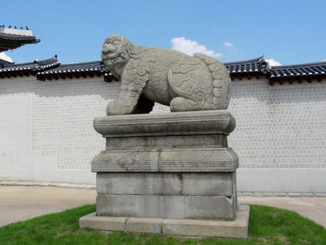 韓国 光化門 ヘチ像