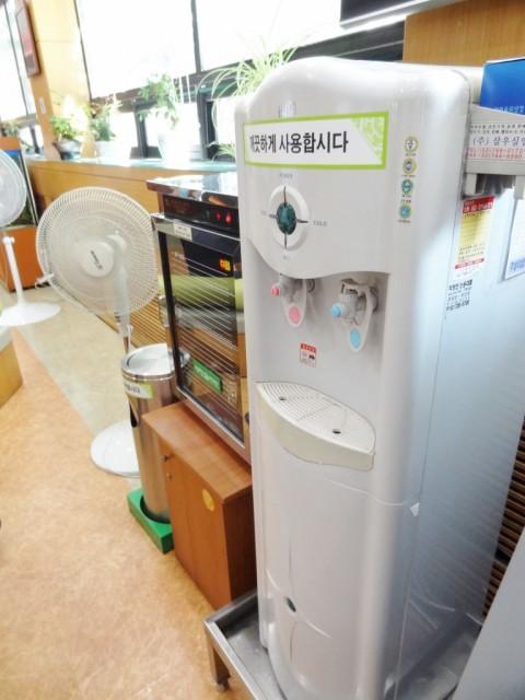 韓国役所 水飲み場