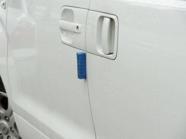 韓国の車 ドアのスポンジ