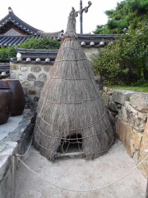 伝統家屋 両班(ヤンバン)蒸すもの?