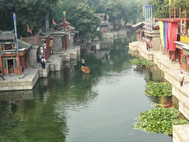 山塘街を模した水路