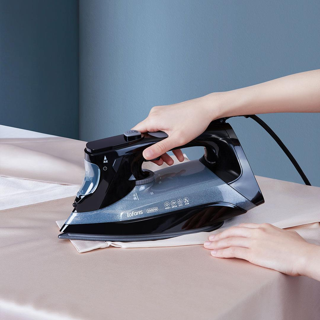 Lofans YD-015BK Handheld Portable Garment Steamer LCD Screen 2000W Powerful Clothes Steam Iron Fast Heat-up Fabric Wrinkle Removal 340ml Water Tank