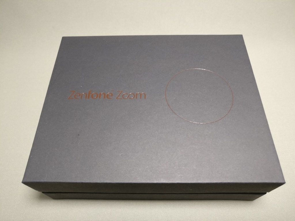 【3倍ズームとレザーが特徴】Zenfone Zoom ZX551ML 開封の儀 レビュー ただし分厚い
