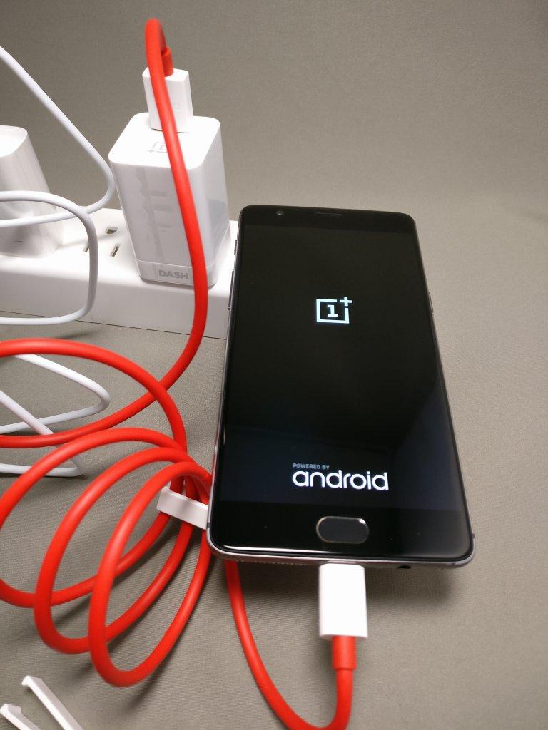 OnePlus 3T 起動