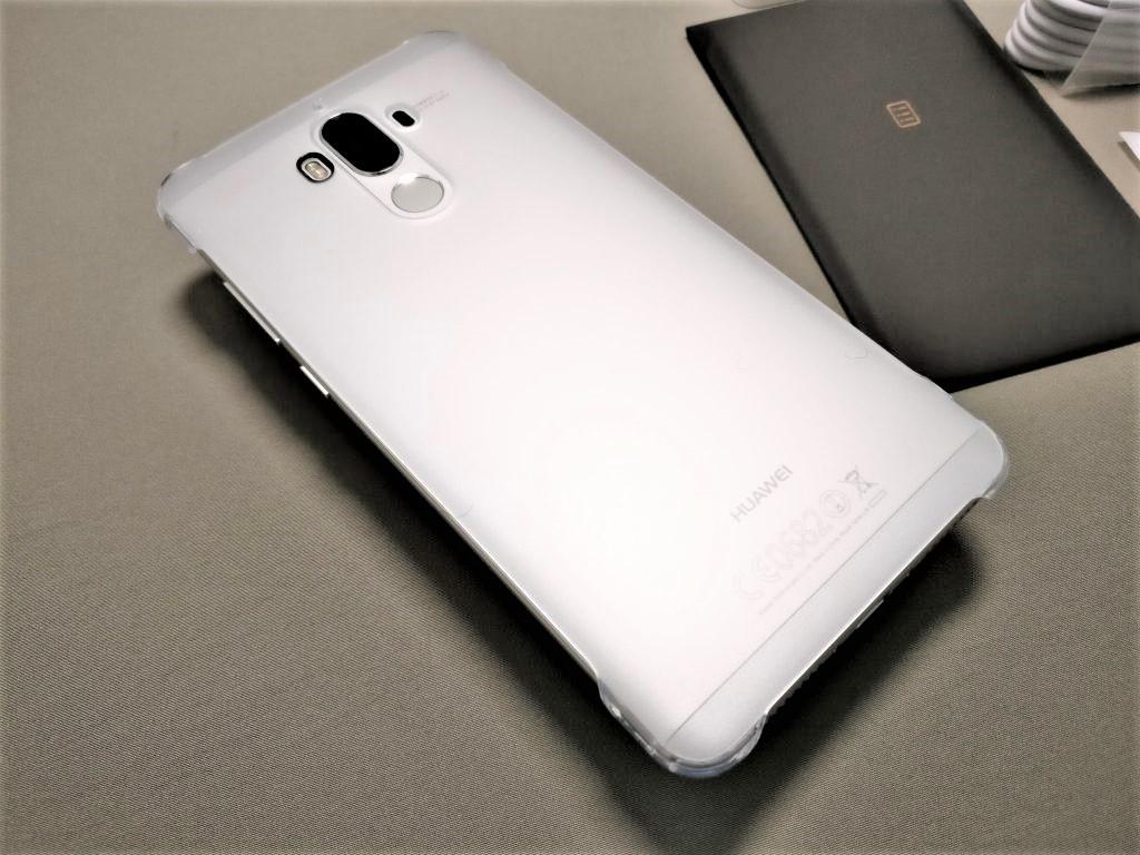 Huawei mate 9 付属品 ハードケース