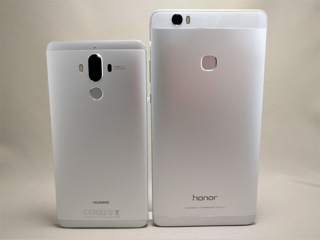 Huawei mate 9 と honor note 8 裏面比較
