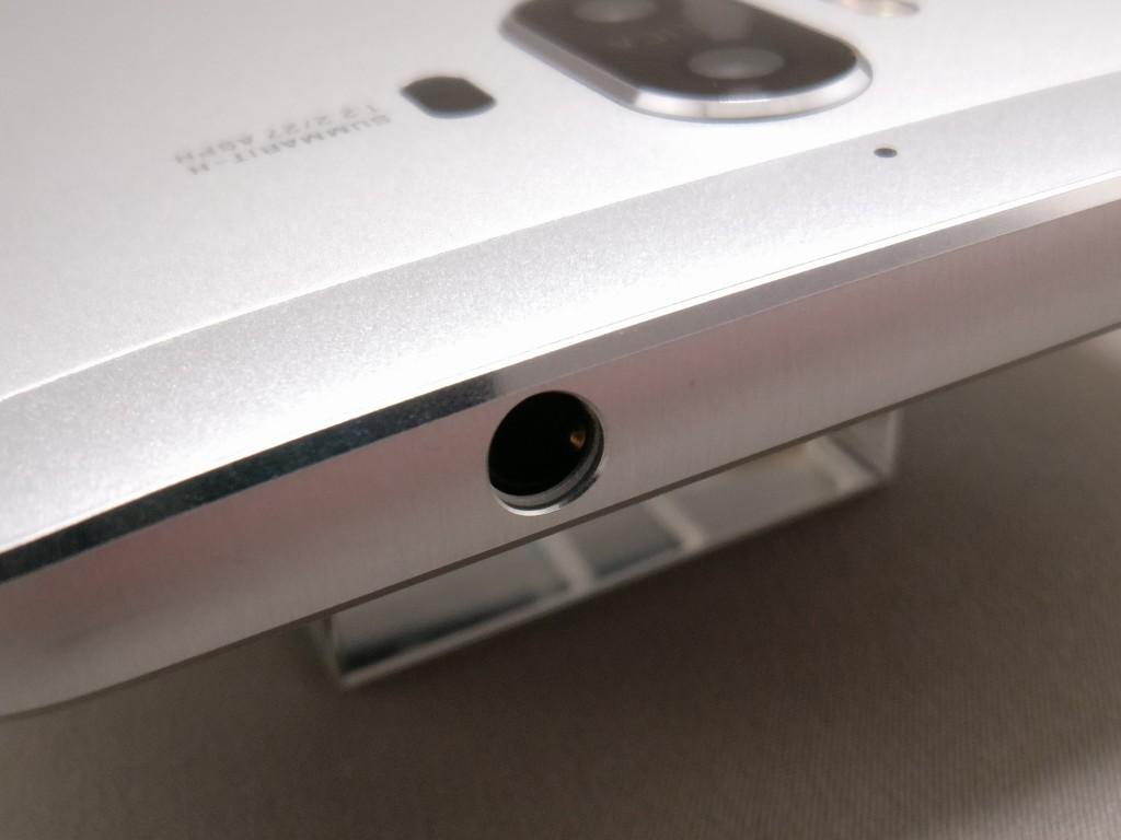 Huawei mate 9 側面上イヤホンジャック
