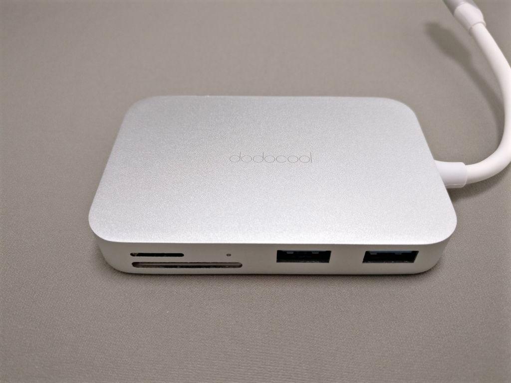 dodocool USB-C PDハブ 前側面