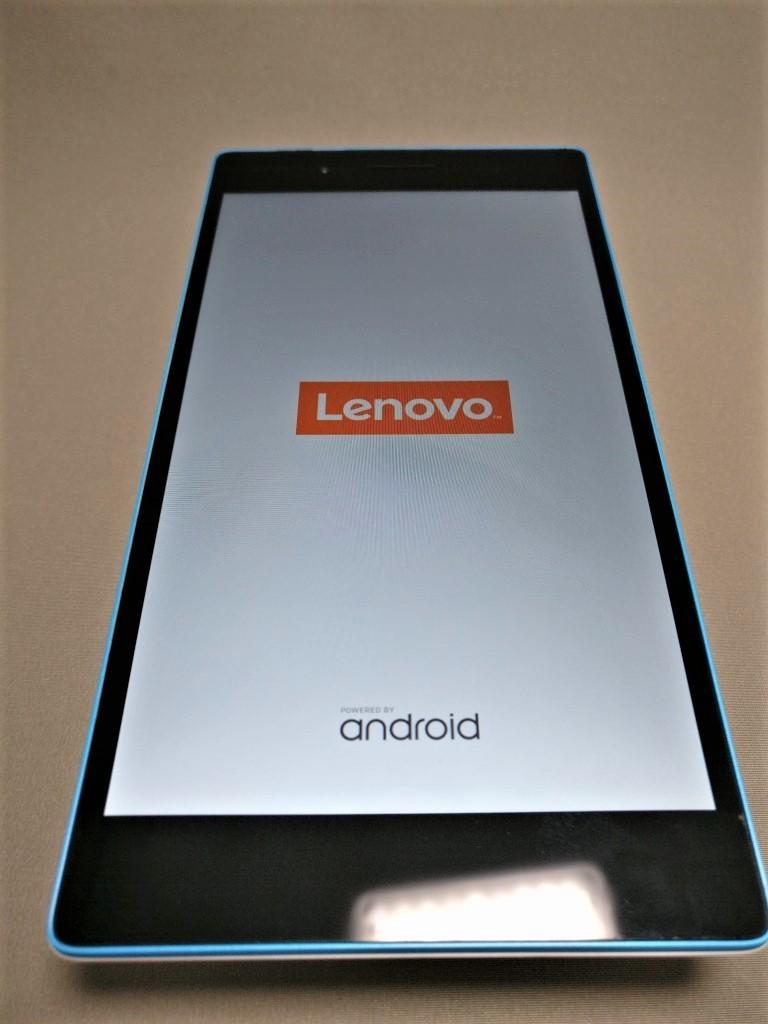 Lenovo TAB3 7(LTE) 電源ボタンを押して起動