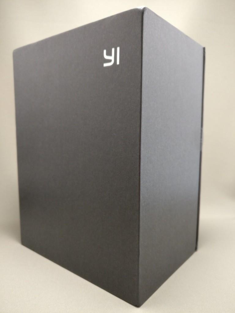 YI M1 WiFi 4K Digital Micro Single Camera - DUAL LENS 化粧箱 右斜め
