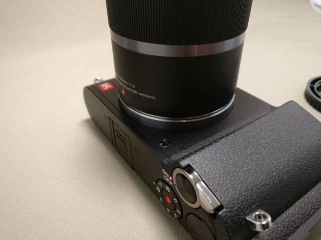 Xiaomi Yi Digital Camera M1 レンズ装着 時計回りに45度回す