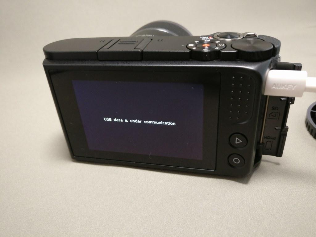 Xiaomi Yi Digital Camera M1 充電 usb data is under communicationとデータ通信出来るようだけどPCにマウントされない