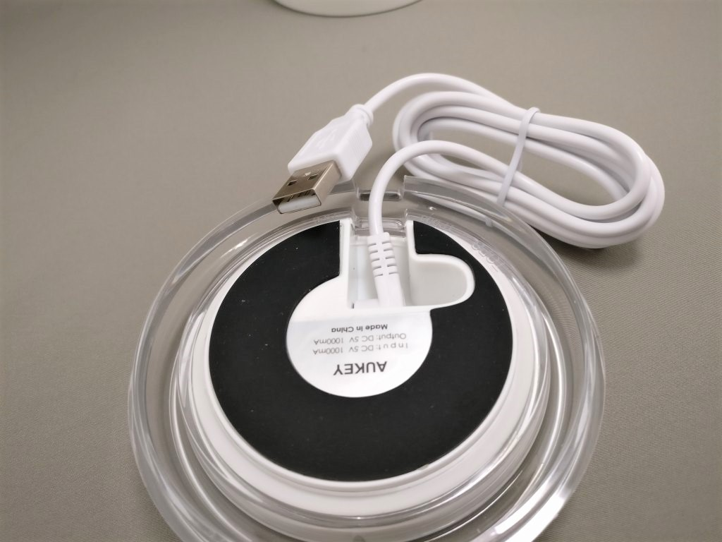 AUKEY LEDライト 花瓶 1W USB充電 LT-ST14  充電台裏