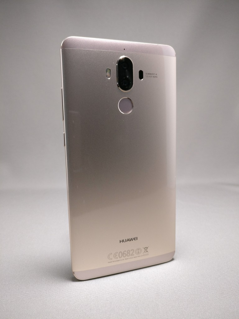 Huawei Mate 9 ゴールド 外観 裏面 5