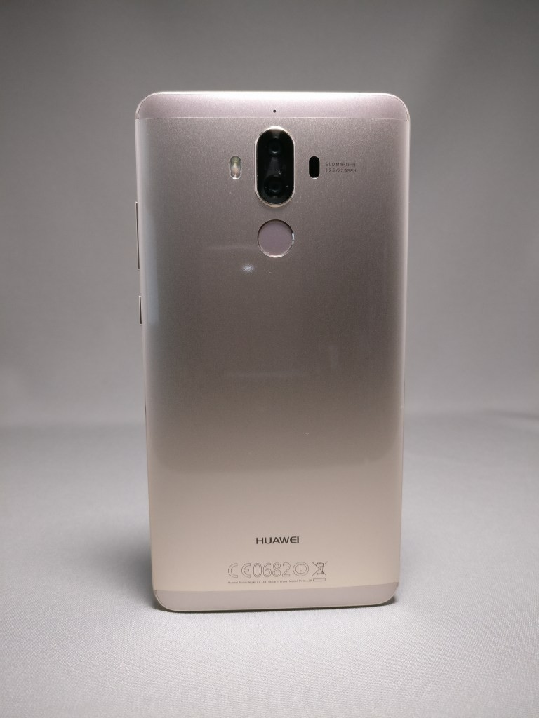 Huawei Mate 9 ゴールド 外観 裏面 正面 3
