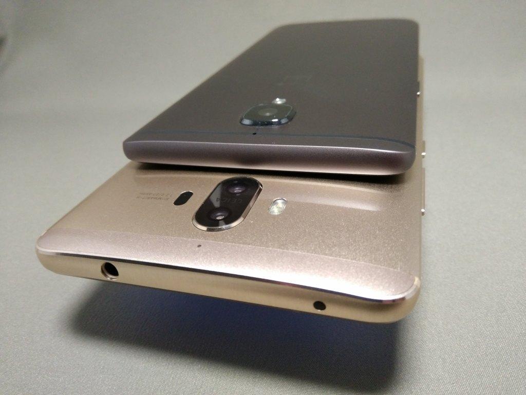 OnePlus 3TとHuawei Mate9を並べて撮影 裏面 カメラ部分 斜め