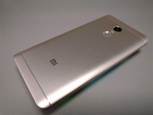 Xiaomi Redmi Note 4X 裏面 斜め右