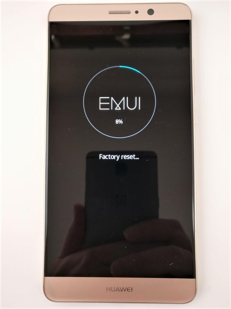 Huawei Mate 9 ファクトリー リセット factory reset中