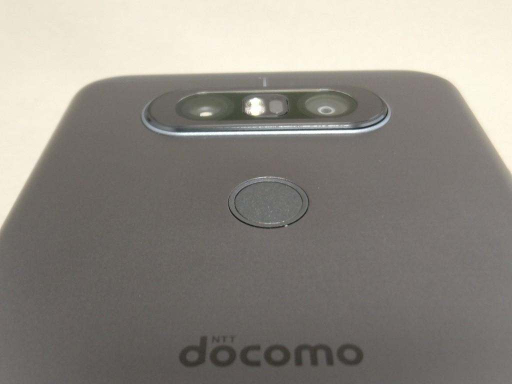LG V20 Pro 裏 カメラ下のホームボタン
