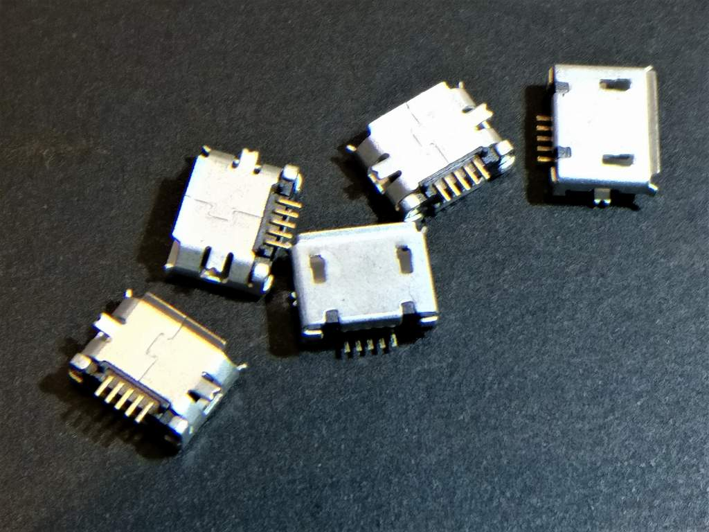 UMI Touch MicroUSB交換 ハンダ付け MicroUSBソケット