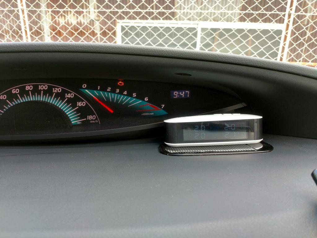 CACAGOO TPMS タイヤ空気圧監視システム LCDモニター 奥に入れる