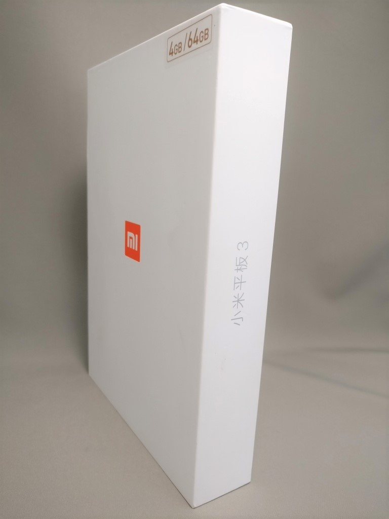 Xiaomi Mi Pad 3 化粧箱 表斜め