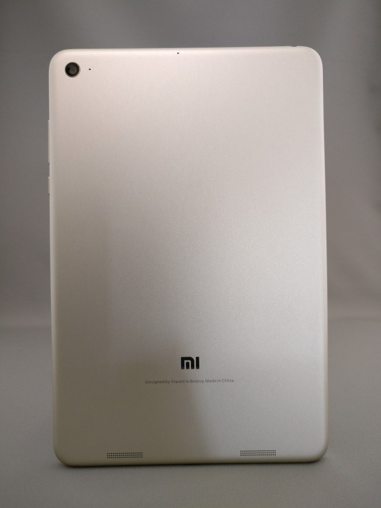 Xiaomi Mi Pad 3 裏正面 1