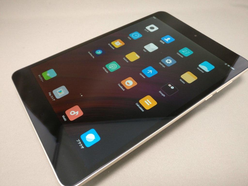 Xiaomi Mi Pad 3 表 斜め