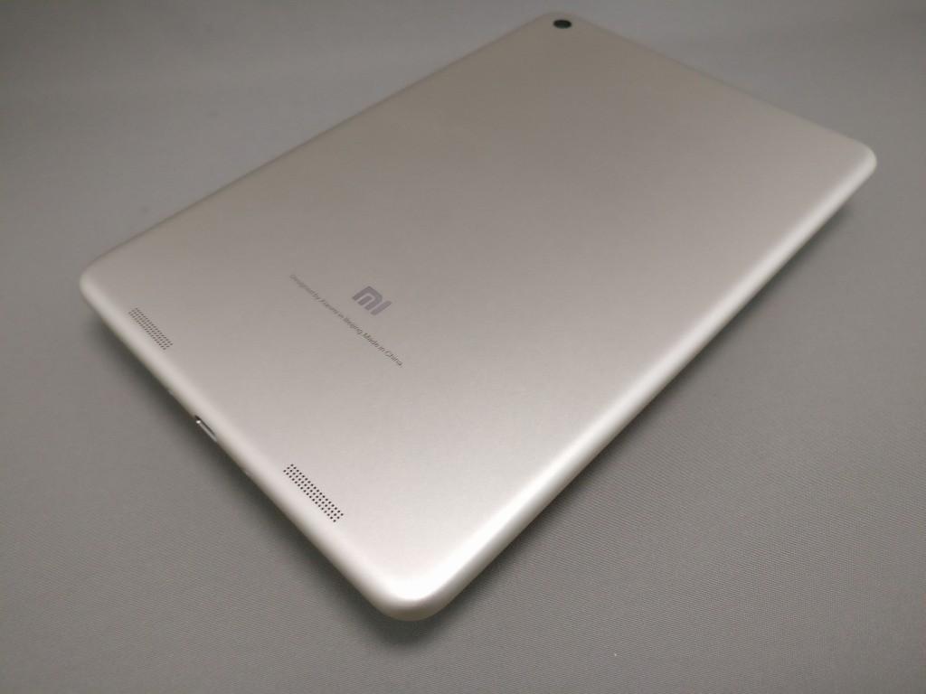 Xiaomi Mi Pad 3 裏面ななめ