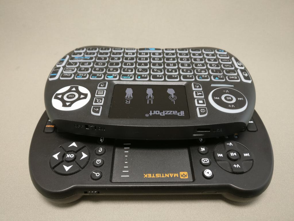 iPazzPort Mini Keyboard と MantisTek MK1 比較 トラックパッド