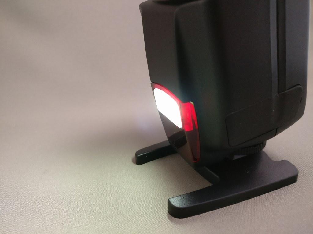 Andoer AD-560Ⅱ 汎用 スピードライト LED点灯