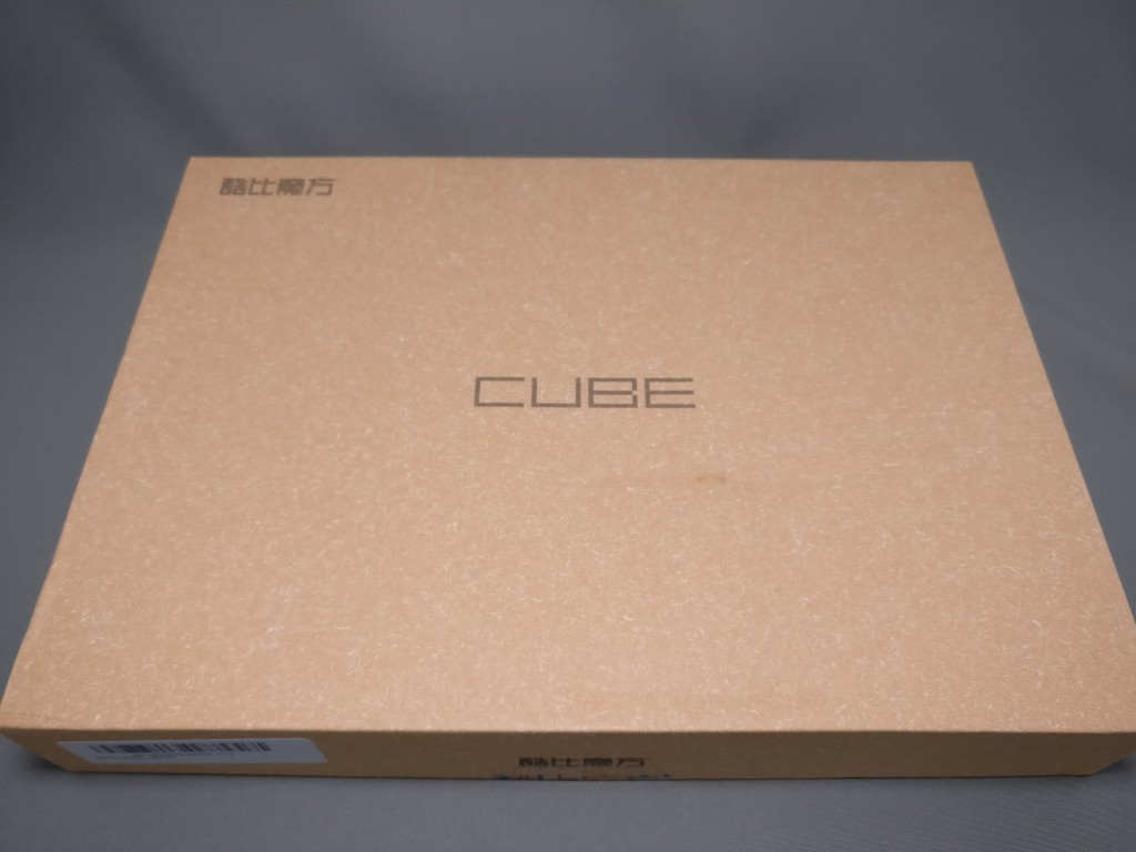 Cube iplay 10 化粧箱 表