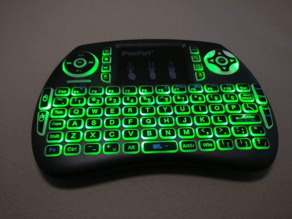 iPazzPort Mini Keyboard バックライト点灯 グリーン2