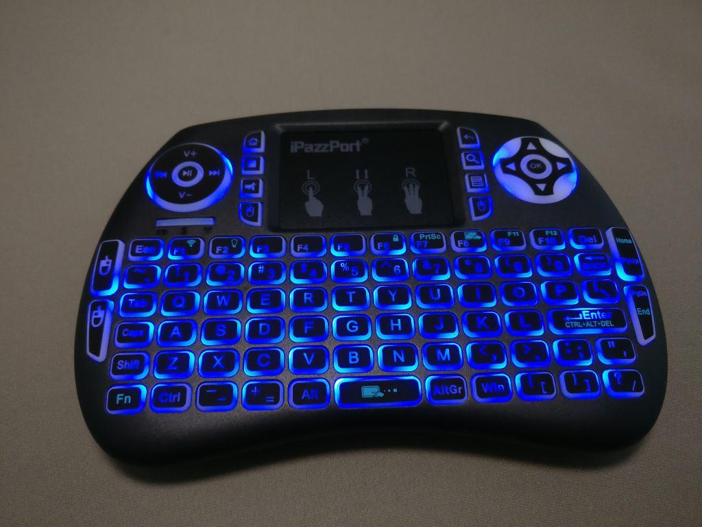 iPazzPort Mini Keyboard バックライト点灯 ブルー2