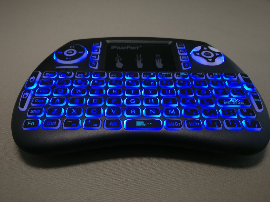 iPazzPort Mini Keyboard バックライト点灯 ブルー