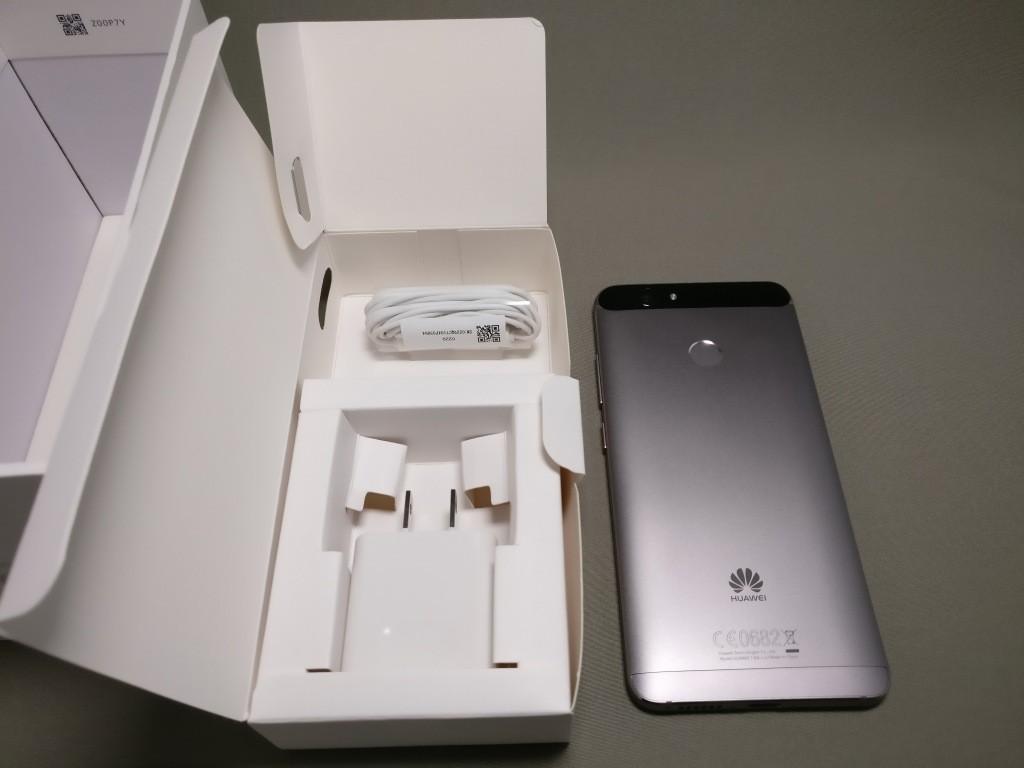 Huawei Nova 化粧箱 開ける 本体