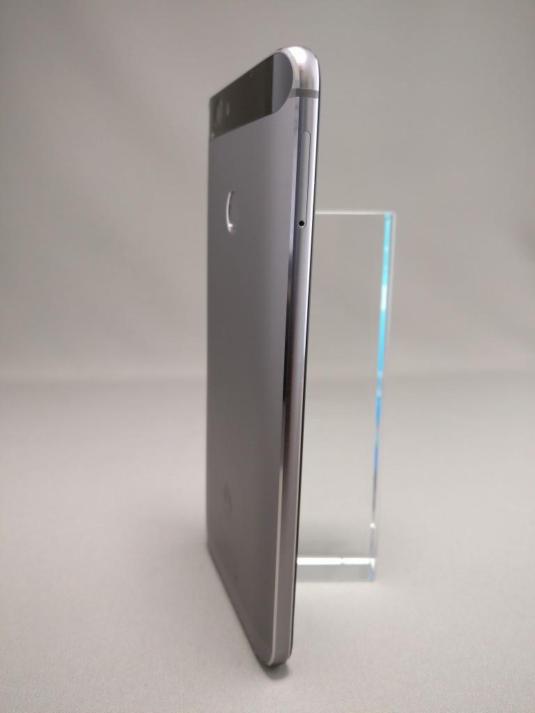 Huawei Nova 裏 2