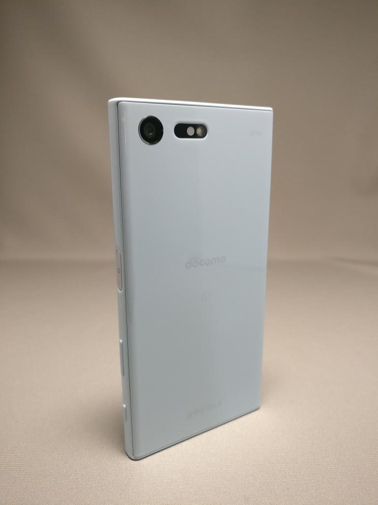 Xperia X Compact 裏面 4
