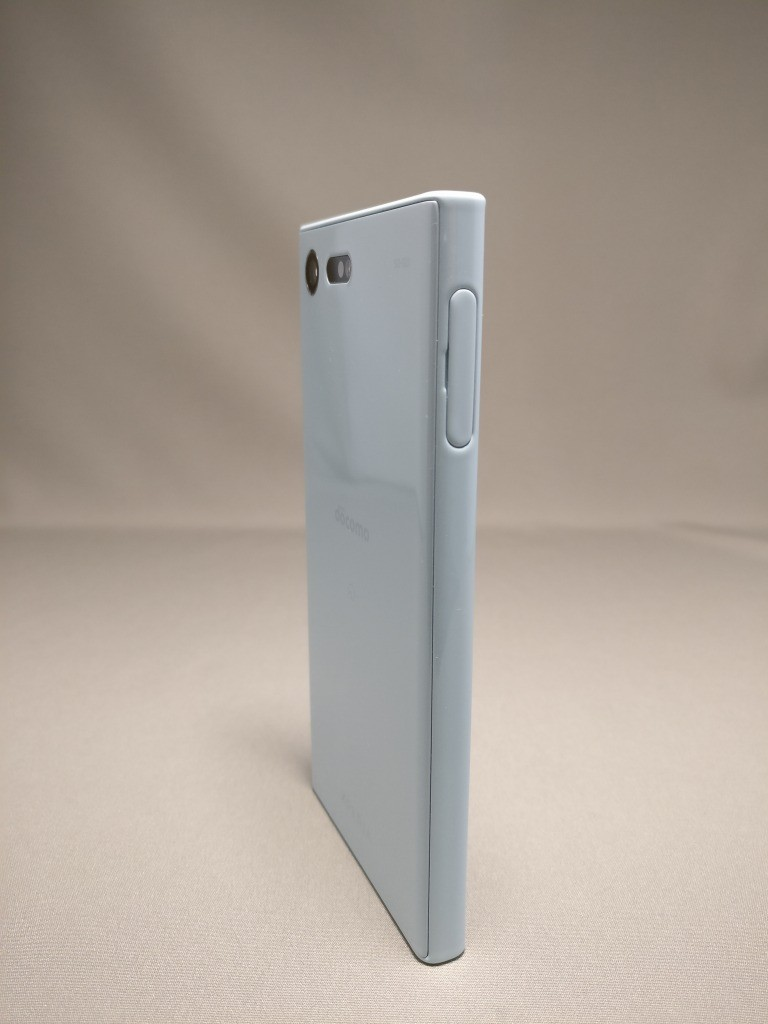 Xperia X Compact 裏面 9