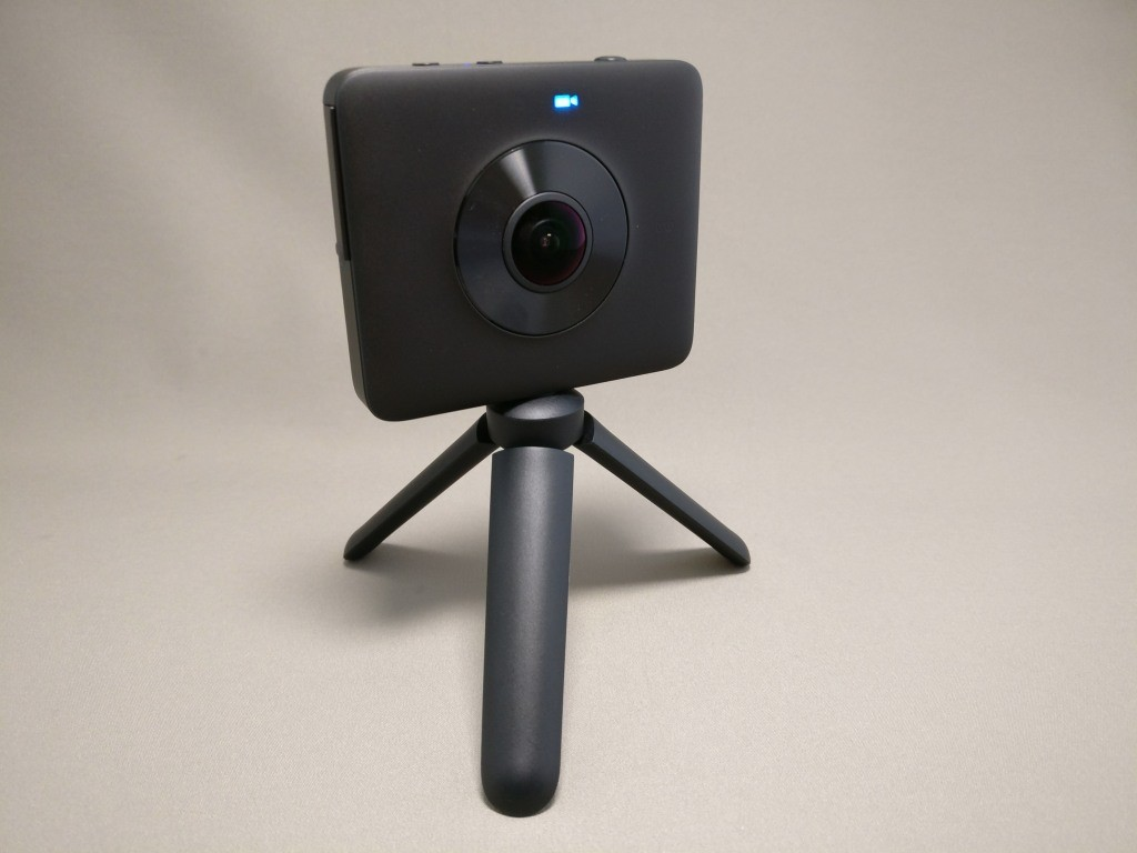 Xiaomi mijia 3.5K Panorama Action Camera スタンド斜め