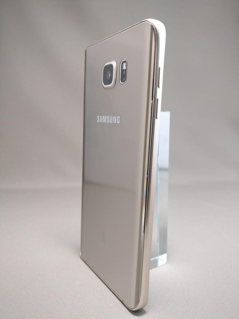 Galaxy Note 5 裏面 3