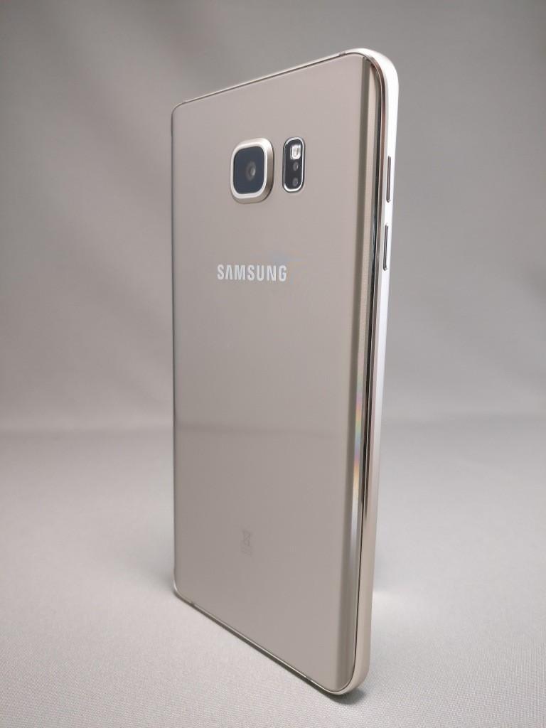 Galaxy Note 5 裏面 4