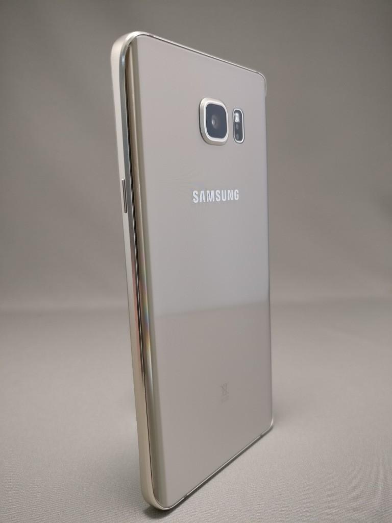 Galaxy Note 5 裏面 11