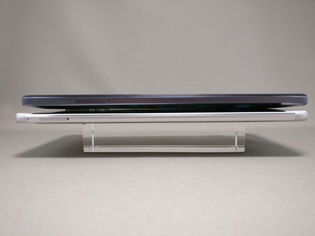 Huawei honor note 8と比較 横 厚み