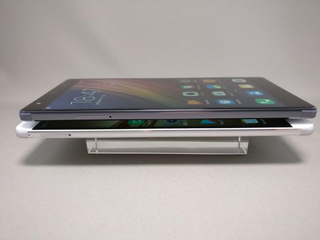 Huawei honor note 8と比較 横 厚み 斜め