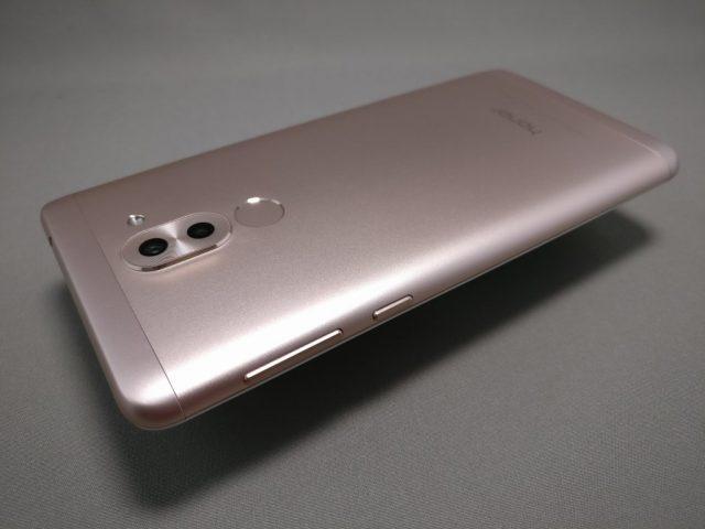 Huawei Honor 6X 裏面 斜め下