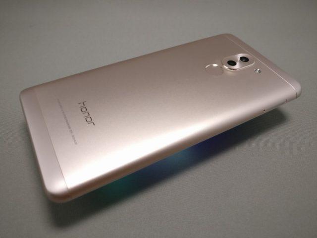 Huawei Honor 6X 裏面 斜め上