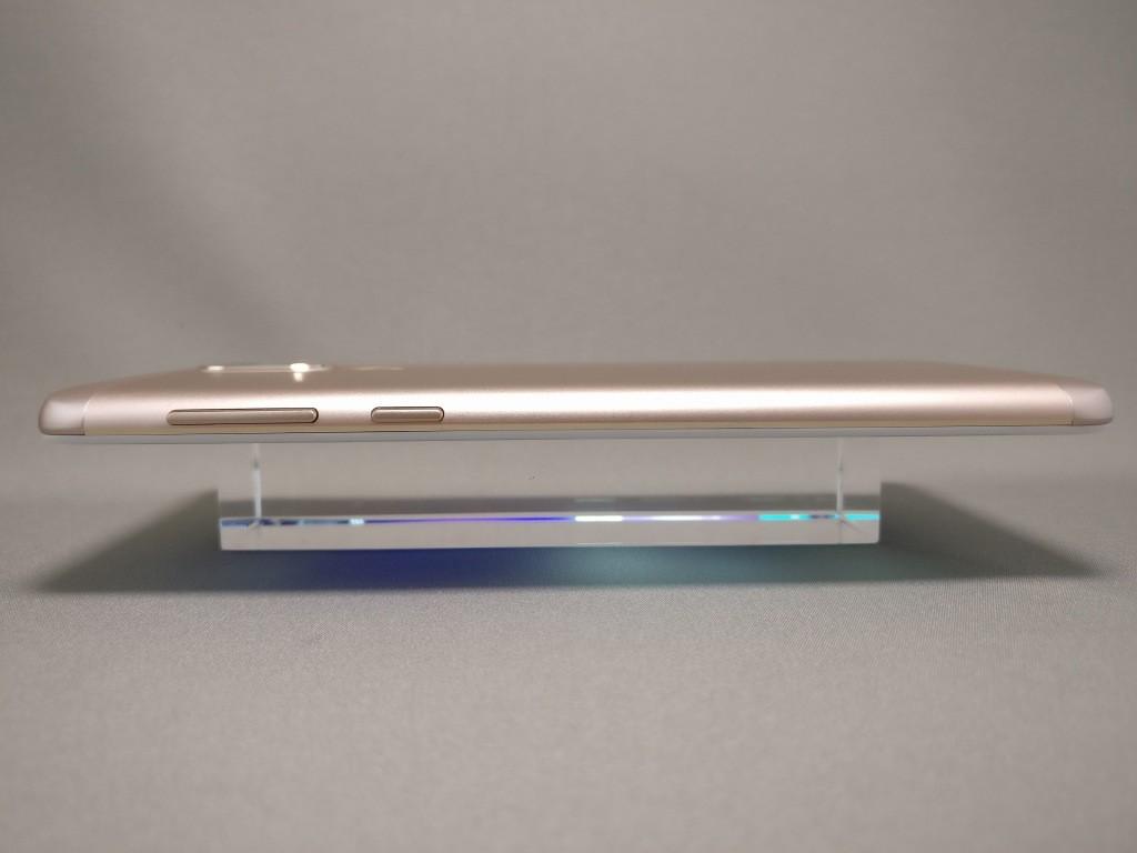 Huawei Honor 6X 側面 右
